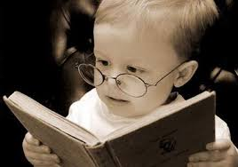 Bebé leyendo 1