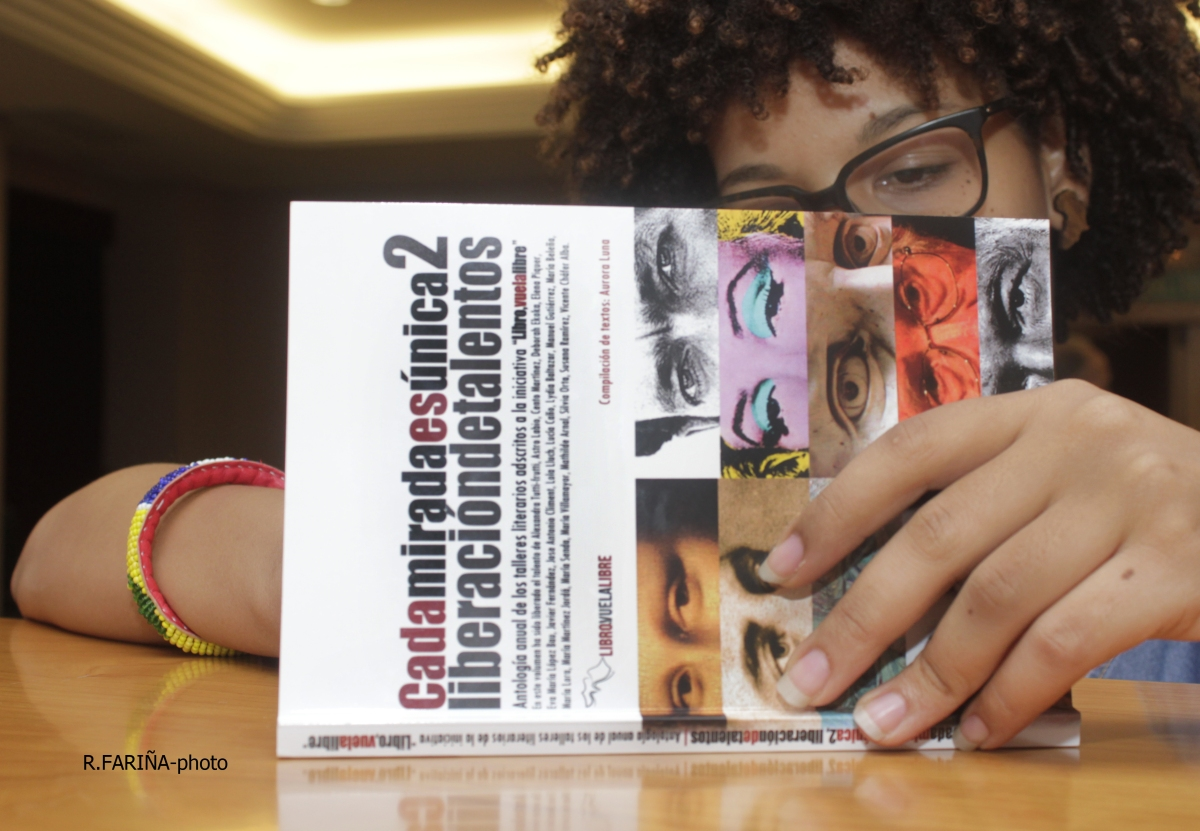 ESCRITURA DE LA AUTENTICIDAD: selección de autores de LIBRO, VUELA LIBRE