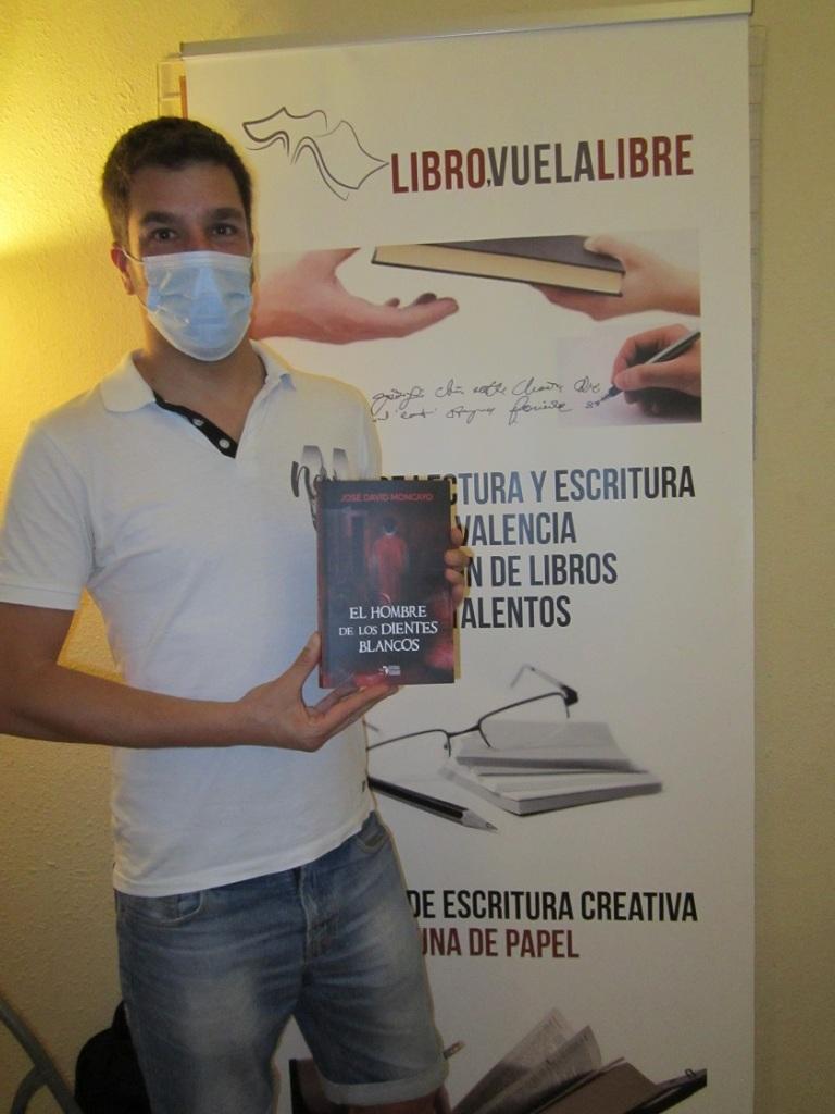 Jose David Moncayo en el club de lectura en Valencia y los talleres de escritura de LIBRO VUELA LIBRE